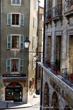 Old Town, Geneva (Switzerland) - www.rosas-yummy-yums.blogspot.com
