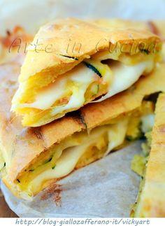 Torta salata veloce con zucchine e scamorza vickyart arte in cucina Quiche, Empanadas, Nutella, Biscotti, Salad Cake, Sweet Pie, Antipasto, Saveur, Finger Foods