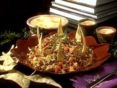 Taco Salad recipe from Paula Deen. I don't use the salsa or taco chips at the end and I add one can of red kidney beans :) Dorito Taco Salad Recipe, Taco Salad Recipes, Taco Salads, Taco Soup, Dip Recipes, Keto Recipes, Mexican Dishes, Mexican Food Recipes, Ethnic Recipes