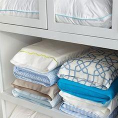 8 dicas de como organizar o guarda-roupa melhor | http://blogdamrv.com.br/decoracao/8-dicas-de-como-organizar-o-guarda-roupa-melhor/