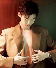 """captainjoongki: """"lee jong suk for esquire korea - february 2019 issue """" Lee Jong Suk Cute, Lee Jung Suk, Kim Jung, Asian Actors, Korean Actors, Lee Jong Suk Wallpaper, O Rico, Kang Chul, W Two Worlds"""