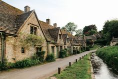 12 Utterly Quaint Places You Must Visit In Southern England