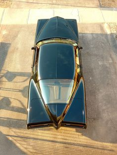 1972 boat-tail Buick Riviera, view from above....freakin love that back window