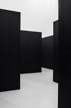 Frank Reimann | Black Walls