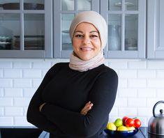 """Hej och hjärtligt välkommen till Zeinas Kitchen! Här hittar du god och spännande mat och bakverk från hela världen. Jag som driver bloggen heter Zeina Mourtada. Zeinas Kitchen har blivit utsedd till en av Sveriges bästa matbloggaroch år 2015 vann jagMatbloggsprisets Folkets Val. Jag startade min blogg som """"en rolig grej"""". Jag hade aldrig en tanke på att jag skulle bli en matbloggare utan såg min blogg som min digitala kokbok där jag kunde samla mina recept. Bloggen gjorde succé och blev…"""