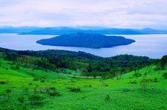 美幌峠から望む屈斜路湖 Fantastic Art, Pistachio, Photo Art, Japan, Mountains, Nature, Photos, Travel, Life