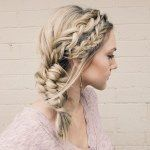 """Annie Pearce on Instagram: """"This Pull Through Braid across the back, has been one of my most popular styles. I posted the tutorial for it about 5 months ago but still get so many questions about it so I thought a quick 15 second tutorial on here would be helpful. And, it's kind of an excuse because I've been having so much fun making these . The link to the full (slower) tutorial is in my bio, (how to: pull through braid) """""""
