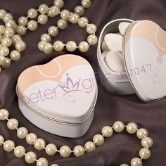 Wedding Dress Mint Tin BETER-WJ047 Bride and Groom Theme Wedding Favors     #weddingfavorboxes #candyboxes  http://detail.1688.com/offer/538947849240.html