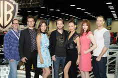 (L-R) NIKITA's Executive Producer Craig Silverstein and stars Noah Bean, Lyndsy Fonseca, Aaron Stanford, Maggie Q, Melinda Clarke and Shane West after the show's final Comic-Con signing #CWSDCC #WBSDCC (©2013 WBEI. All Rights Reserved.)
