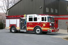 Mt. Penn Fire Company, Reading, PA - Engine 1 - 2004 Seagrave