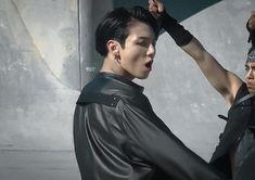 Maknae Of Bts, Bts Jungkook, Namjoon, Jung Kook, Busan, Rapper, Galaxy Eyes, Snow White Costume, Most Handsome Men