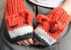 Buttonbag Foxy Mittens Knit Kit | Childrens Knitting Set | Knitting for Kids Crafts4kids.co.uk