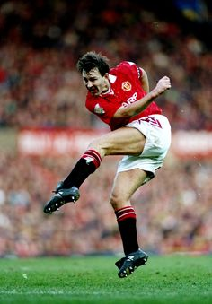 Bryan Robson aka 'Captain Marvel' was given the captaincy in 1982 and led the Reds through the mixed decade of he The United won six major honours as club skipper, skippering Sir Alex Ferguson's men into a new era of unbridled success. Manchester United Legends, Manchester United Football, Bryan Robson, Bristol Rovers, Eric Cantona, Football Icon, Sir Alex Ferguson, Premier League Champions, West Brom