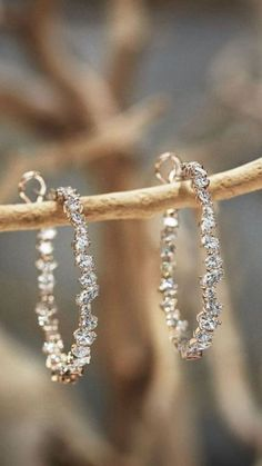 ~ Enjoy All The Gifts Life Has To Offer ~ (I do not claim ownership to any photos) Cute Jewelry, Jewelry Box, Jewelry Accessories, Fashion Accessories, Fashion Jewelry, Jewelry Design, Diamond Jewelry, Diamond Earrings, Silver Earrings