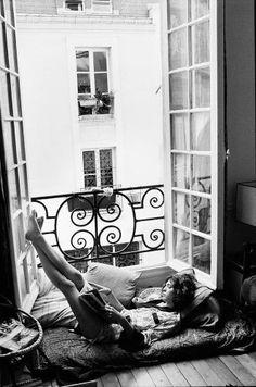 Leer junto a la ventana