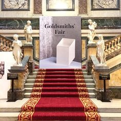 #GoldsmithsFair opens today at 11am! 150 incredible jewellers and silversmiths across two weeks > (link in bio) #jewellery #jewelry #London #exhibition #design #silver #gold #luxury #silversmithing