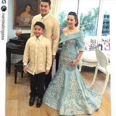 and presidential sister in Aquino for make-up by Styled by:kim&boopyap. Modern Filipiniana Dress, Filipiniana Wedding, Traditional Weddings, Traditional Dresses, Bride Gowns, Wedding Gowns, Filipino Wedding, Philippines Fashion, Mother Of The Bride Gown