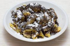 """Žúlanec by som mohla jesť každý deň, nielen na Vianoce :) Toto je prastarý recept od jednej gajarskej babky. A ten názov? Tak mi odpovedali: """"Ná v Gajarech sa cesto žúlá, proto žúlanec... a ertéple sú odjakživa krumpole!"""" :)"""