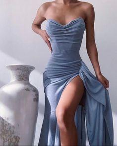 Pretty Prom Dresses, Glam Dresses, Event Dresses, Cute Dresses, Beautiful Dresses, Fashion Dresses, Split Prom Dresses, Glamouröse Outfits, Classy Outfits