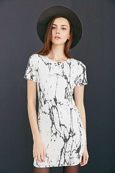 Silence + Noise Marble Knit Shift Dress - Urban Outfitters