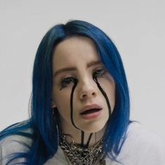 Billie eilish cries black tears in haunting when the partys over music video watch now Aesthetic Header, Wallpaper Aesthetic, Aesthetic Videos, Billie Eilish, Cartoon Wallpaper, Slimming World, Background Macbook, Funny Videos, Jessie