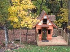 Getting Ready for the Slopes - RMSer father built her toddler son a ski chalet and her husband built the deck. Dog Houses, Play Houses, Tree Houses, Outdoor Rooms, Outdoor Living, Pallet Playhouse, Backyard Playhouse, Backyard Sheds, Garden Sheds