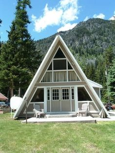 Short walk to Wallowa Lake and all the resort activities. A Frame House Plans, A Frame Cabin, Lake Cabins, Cabins And Cottages, Tiny House Cabin, Cabin Homes, Natur House, Triangle House, Haus Am See