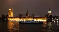 Londres, UK: What a beautiful boat on the Thames
