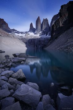 Las Torres Moonlight : Torres del Paine, Chile