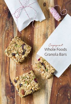 Easy Homemade Granola Bars - A copycat version of Whole Foods Granola Bars! #healthy