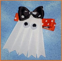 Halloween Clippie Ghost by twinkletoesrnb on Etsy Making Hair Bows, Diy Hair Bows, Diy Bow, Bow Hair Clips, Hair Ribbons, Ribbon Bows, Ribbon Hair, Halloween Hair Bows, Halloween Crafts