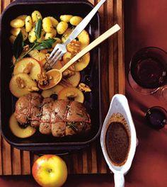Rehbraten mit Äpfeln und Walnüssen - Rezepte - [LIVING AT HOME]