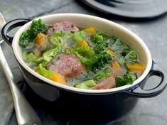 Avec les lectrices reporter de Femme Actuelle, découvrez les recettes de cuisine des internautes : Potée au chou vert