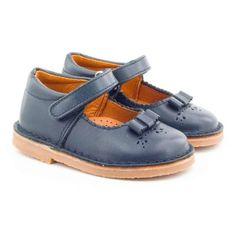 9eeb107047c85 Les Boni Alizee sont des jolies chaussures bébé fille en cuir bleu marine  décorée d