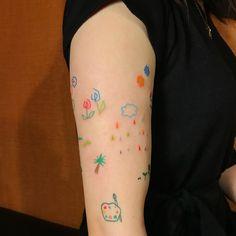 한 팔을 내어준손님,,💖 #_tan_tattoo ☑️미니타투,낙서타투,라인타투,핸드포크 문의 / open kakao , direct