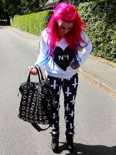 "! * YULIE KENDRA´S LIFE * !: Let´s start the week with my ""Outfit of the day"" fashion blogger blog inverted cross statement gucci bag dsquared skeleton heels coco hoodie sweater no1 print blue pink mermaid hair bluehair pinkhair mermaidhair dip dye ombre"
