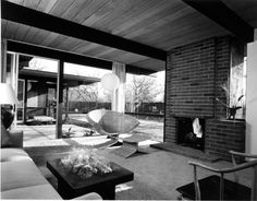 Exclusive Home Design Plans from Joseph Eichler Décoration Mid Century, Mid Century Decor, Mid Century House, Mid Century Style, Mid Century Modern Design, Joseph Eichler, Maison Eichler, Eichler Haus, Home Interior