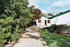 Frog Tree Cottages - Frog Tree Cottages consist of two garden cottages in a quiet residential area of Plettenberg Bay.  They are located near to Central Beach and Robberg Beach.  The cottages have a private garden with a rustic ... #weekendgetaways #plettenbergbay #southafrica