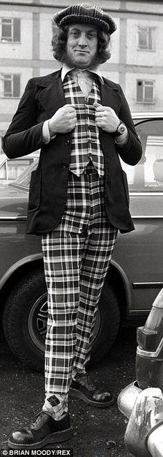 Mr Nice Guy: Slade's Noddy Holder in 1973, dressed in a striking suit - 1973