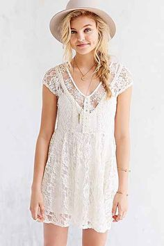 Kimchi Blue Eloise Lace Tie-Back Dress - Urban Outfitters