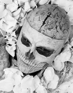 Rick Genest :Living Statuary EnVogue Rick Genest, Inked Men, Inked Girls, Rob Evans, Tattoo People, Dark Paradise, Cover Tattoo, Film Serie, Canadian Artists