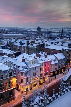 Snowy Night, Oxford, England Can't wait to go to London! Oxford England, Sprachreise England, England Winter, Cornwall England, Yorkshire England, Yorkshire Dales, England Christmas, Places To Travel, Places To See