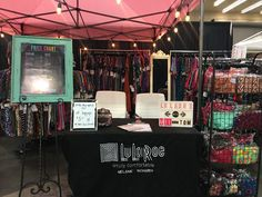 #melandtom LuLaRoe fashion boutique all set up at the Bridal fair. #lularoe #fashionboutique #fashionevent #eventbooth https://m.facebook.com/groups/236342090038984