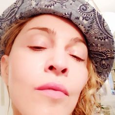 32 No-Makeup Celebrity Selfies That Are Totally Gorgeous