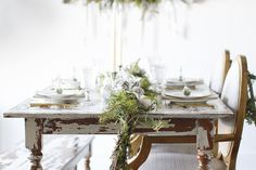Last-Minute Holiday Decor Ideas, Mixing High & Low Pieces, Table Setting, Wine Glasses, Silverware, Gold Silverware, Rustic Table, Garland, Pine Cones, Candles, Candle Holder, Budget, Inspiration, Holiday Inspiration, Plates, Napkins, Name Card, Seating Card, Tablescape #KatalinaGirl