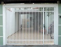 portão de ferro branco simples vigas de ferro na vertical Gate Design, Door Design, House Design, Wardrobe Furniture, Main Gate, Iron Doors, Radiators, Home Deco, Fence