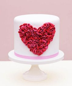 #DIY Ruffle #Heart Cake (Project by Erica O'Brien)