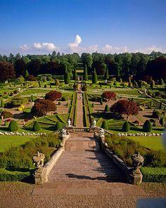 Drummond Castle Gardens, Perthshire, Scotland. THE LIBYAN Esther Kofod www.estherkofod.com