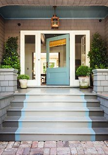 Front porch steps - Decorating Ideas & Tips from a Rising Design Star - One Kings Lane Exterior Stairs, Exterior Paint, Exterior Design, Porch Stairs, Entry Stairs, Outdoor Stairs, Front Door Paint Colors, Painted Front Doors, Painted Stairs