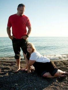 Sarcasm and Too Much Crap!: Awkward Engagement Photos (10 Pictures) ha ha